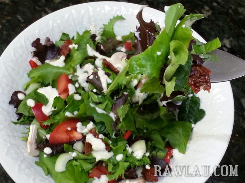 raw pizza salad mangia